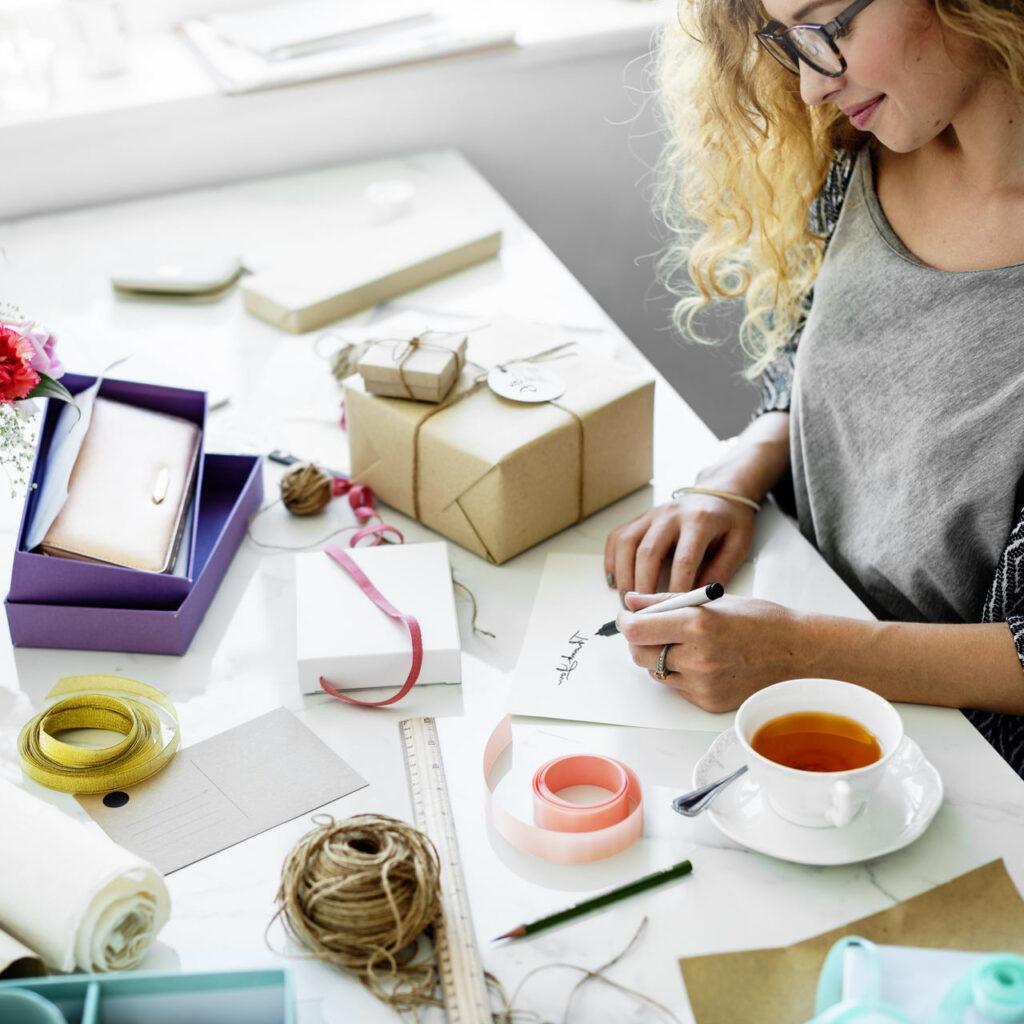 pomysły na dzień życzliwości w pracy - prezenty